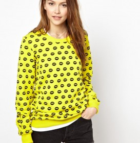 Smacker Lip Print Sweatshirt