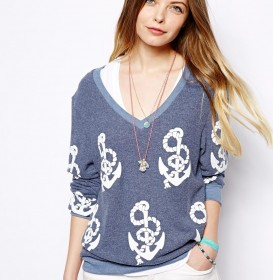 Beach Sweater With Shipwrecked Print